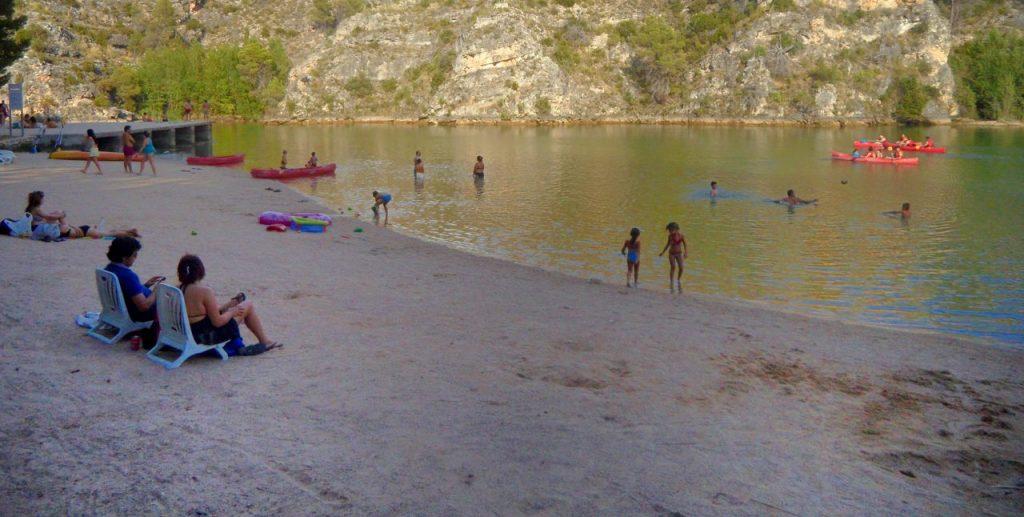 Como llegar a la playa de Bolarque en Guadalajara, España.
